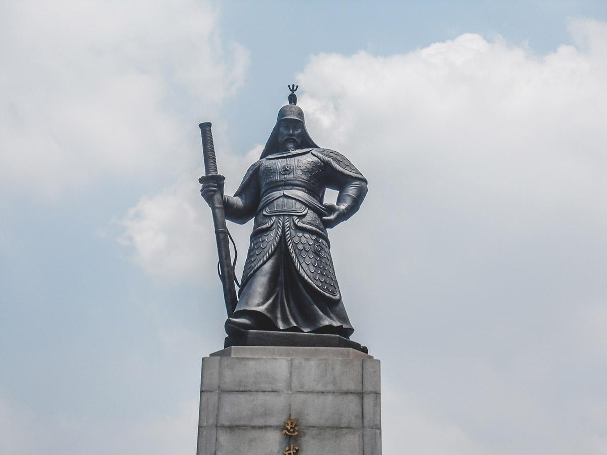 Statue de l'amiral Yi Sun Shin