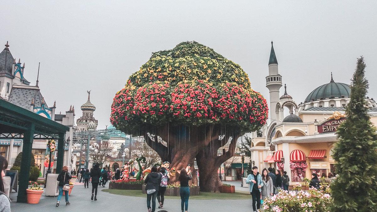 Everland magic tree