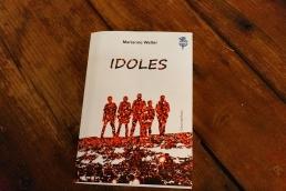 Idoles de Marianne Weller paru aux éditions l'atelier des cahiers